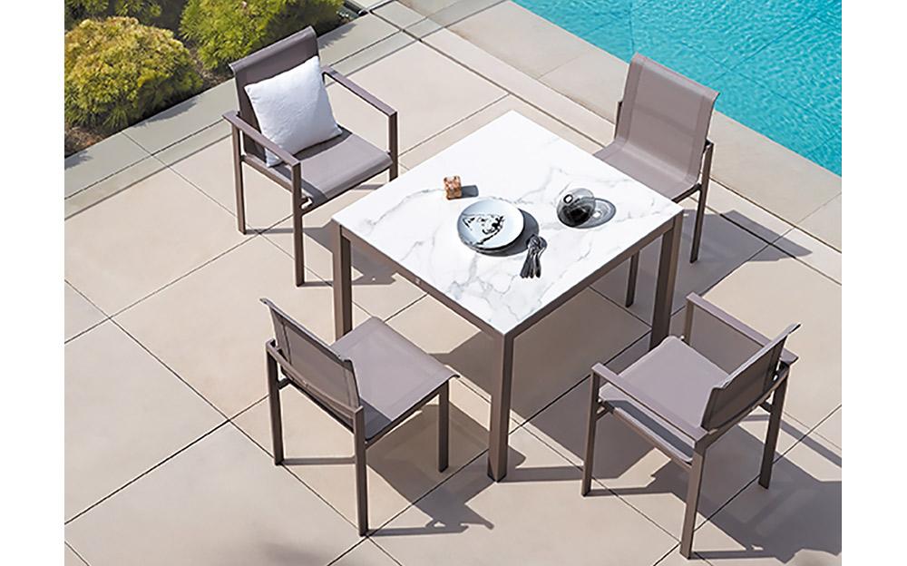 quadra 39 ceramic top table