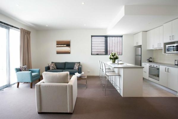 Modernes Wohnzimmer einrichten - Wohn- und Küchenraum kombinieren