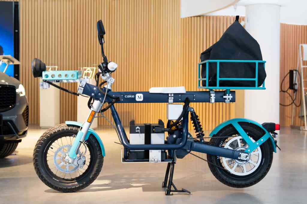 cake M volvo car mobility,  electric motorcycle, Electric motorcycles and scooters, electric motorcycles review, electric motorcycle news, electric bike, electric motorcycles 2021, electric motorcycle price, electric motorcycle racing, electric motorcycle street legal,