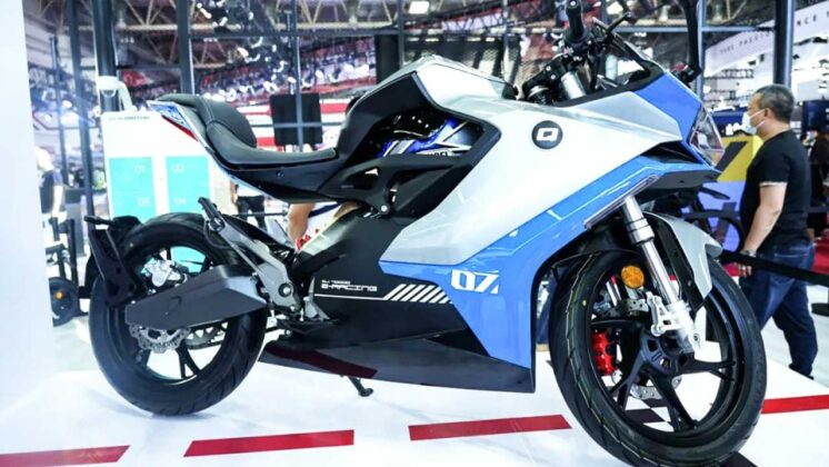 QJ7000D - Is this Benelli's first electric motorcycle?