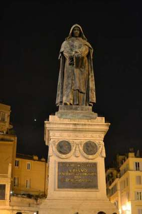 Executions used to be held publicly in Campo de' Fiori where on 17 February 1600 the philosopher Giordano Bruno was burnt alive by the Roman Inquisition.
