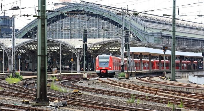 der Bahnhof (la gare)