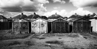 garages-pano-mono