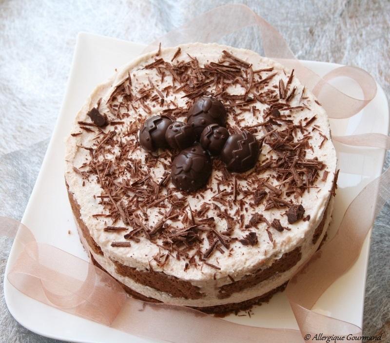 mousse aux poires sur un biscuit chocolaté sans gluten sans oeufs