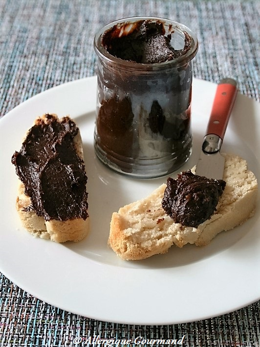 Pâte à tartiner sans gluten, sans lait, sans oeufs.