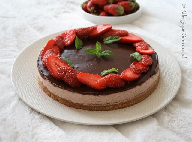 entremet à la mousse de fraise et pâte sablée sans gluten sans lait sans oeufs