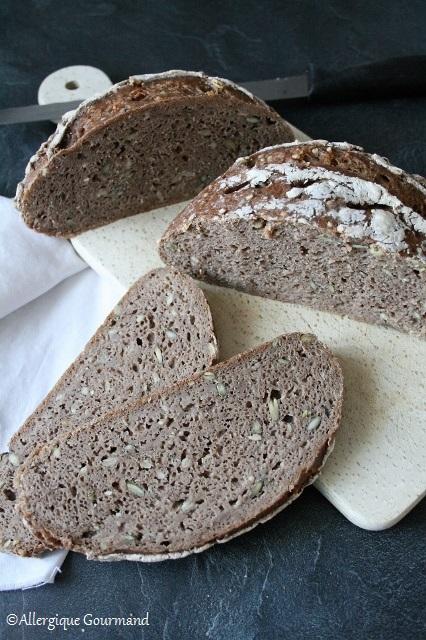 Pain aux graines au levain sans gluten