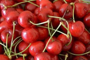 cherry-allergy-symptoms