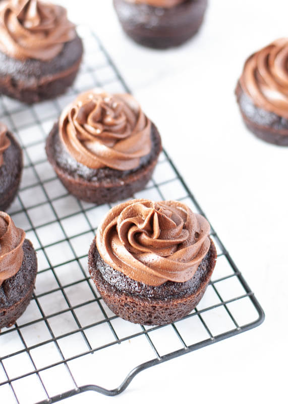 allergy-friendly-chocolate-frosting