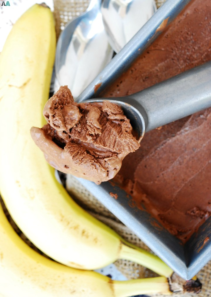 No Churn Vegan Chocolate-Banana Ice Cream (GF, DF, Egg, Soy, Peanut, Tree nut Free, Top 8 Free) A super easy dessert made in your blender! Recipe by Allergy Awesomeness