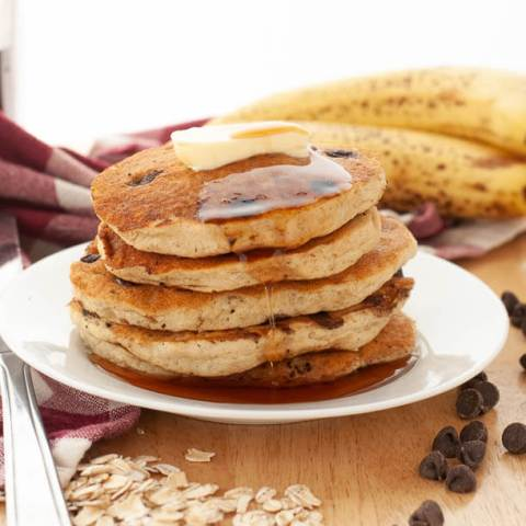 chocolate-chip-oatmeal-banana-pancakes