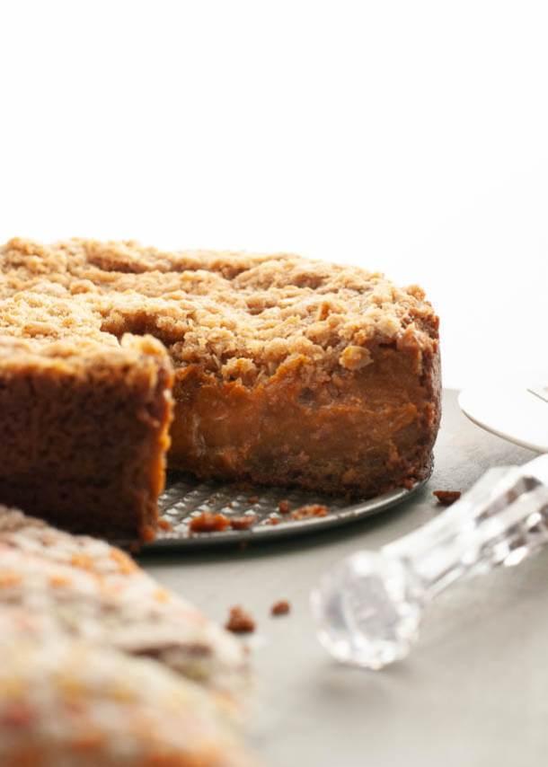 dairy free pumpkin crumble pie