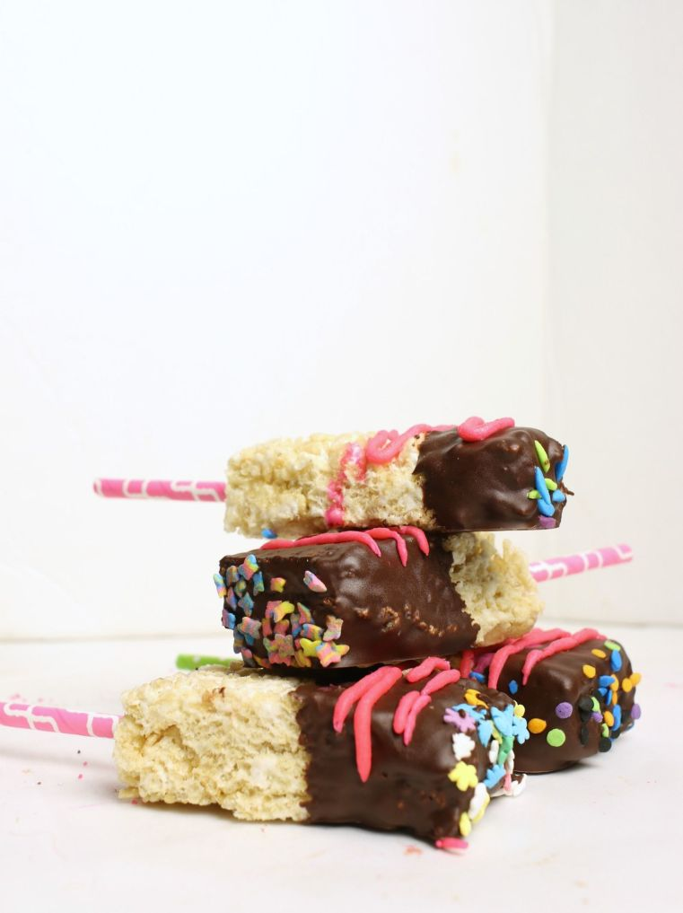 How do you make Rice Krispie Treats better? How about making them allergy-friendly then dipping them in chocolate for a delicious, Top 8, Gluten-free & Vegan treat everyone can enjoy.