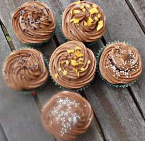 Easy Vegan Chocolate Cake (or Cupcakes)