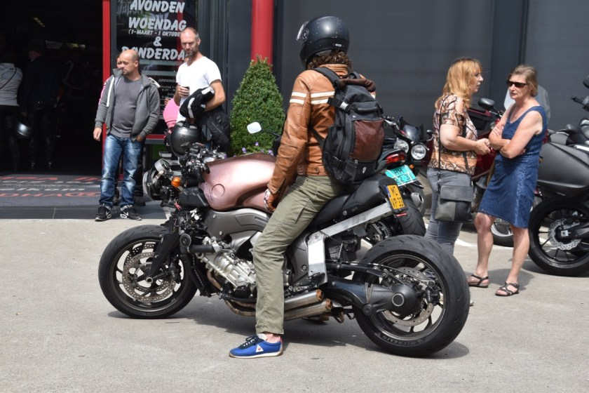 Beschermende motorkleding