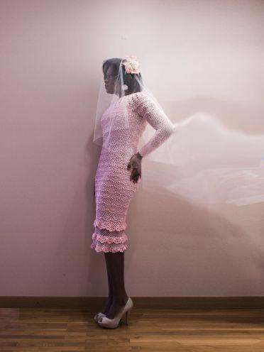 Vestido Rose, es un vestido de crochet de cuello alto y manga larga de lineas ajustadas.