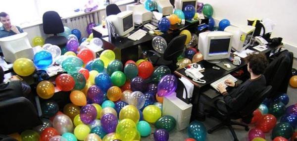 Как оформить стенд с днем рождения на работе Aikigroupru
