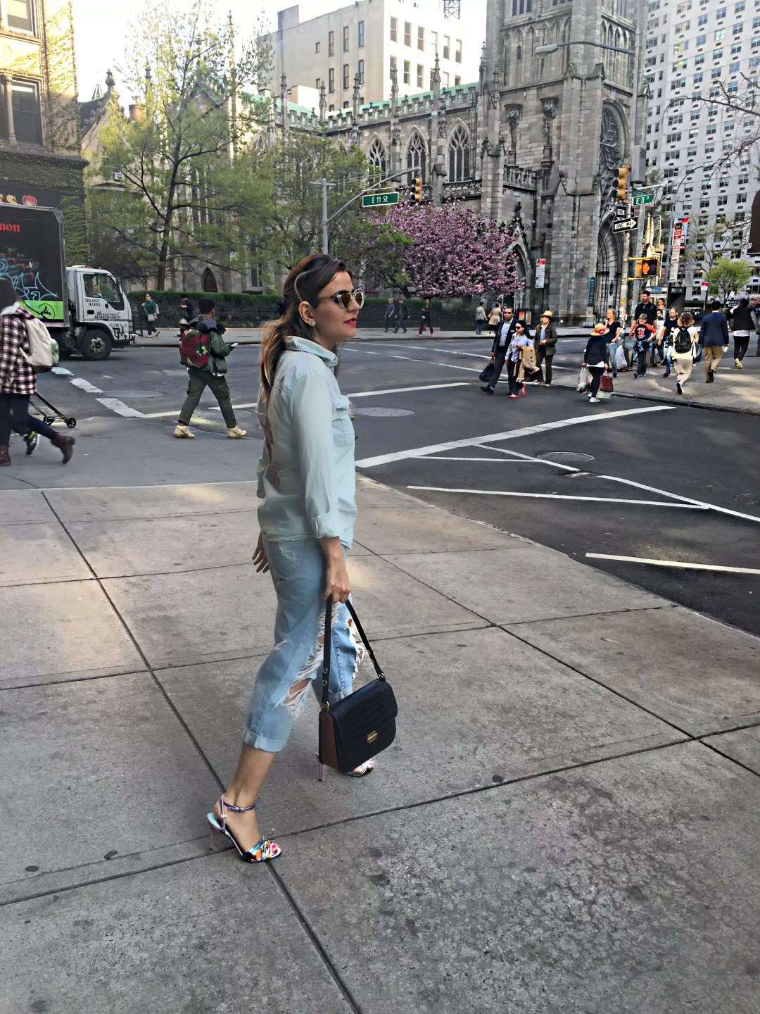 stylish_blogger_ripped-jeans6