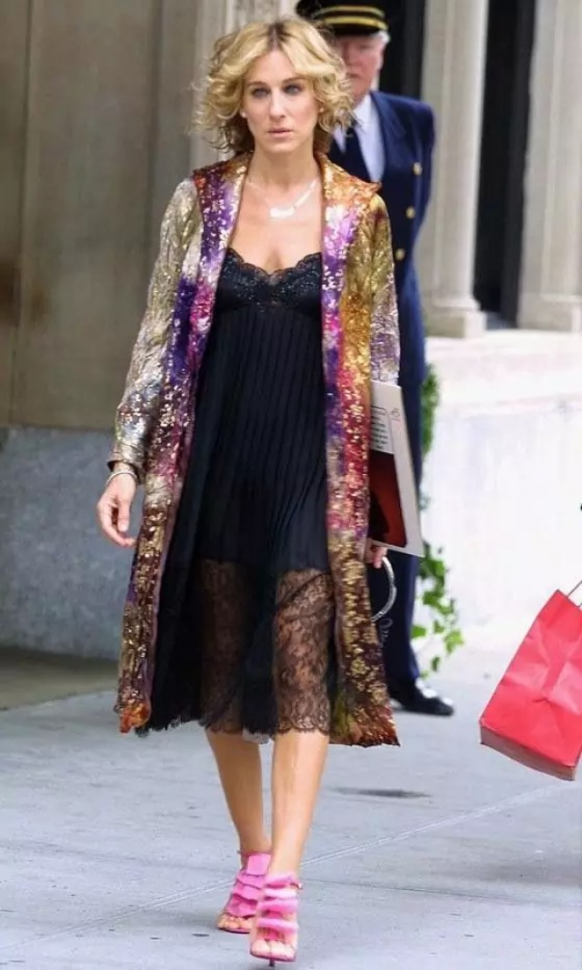 best carrie bradshaw looks according to alley girl 15