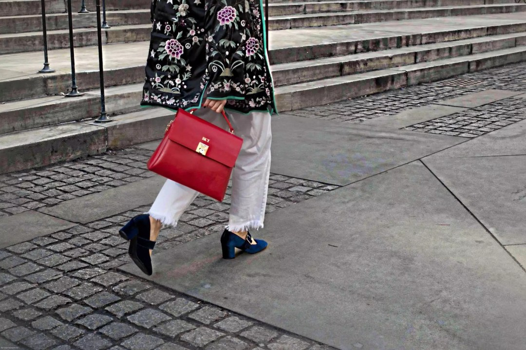 alley-girl-mon-purse-red-bag-velvet-shoes-new-york-library