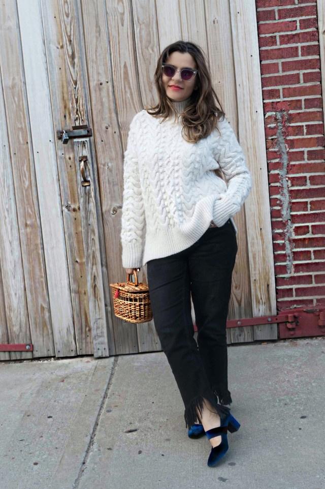 straw-bag-velvet-mary-jane-shoes-oversized-sweater-alley-girl-fashion-technology-blogger