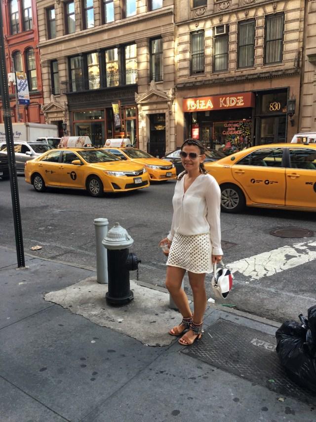alley-girl-kadinim-mutluyum-new-york-betul-yildiz