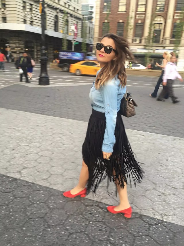 fringe-skirts-red-shoes-and-denim-shirt-alley-girl-new-york-fashion-blogger-3