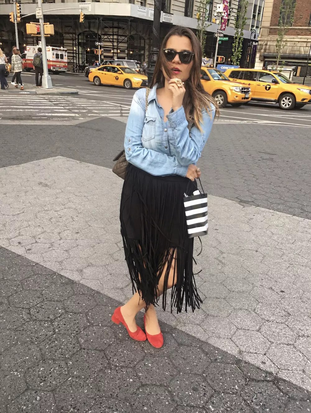 fringe-skirts-red-shoes-and-denim-shirt-alley-girl-new-york-fashion-blogger-betul-yildiz