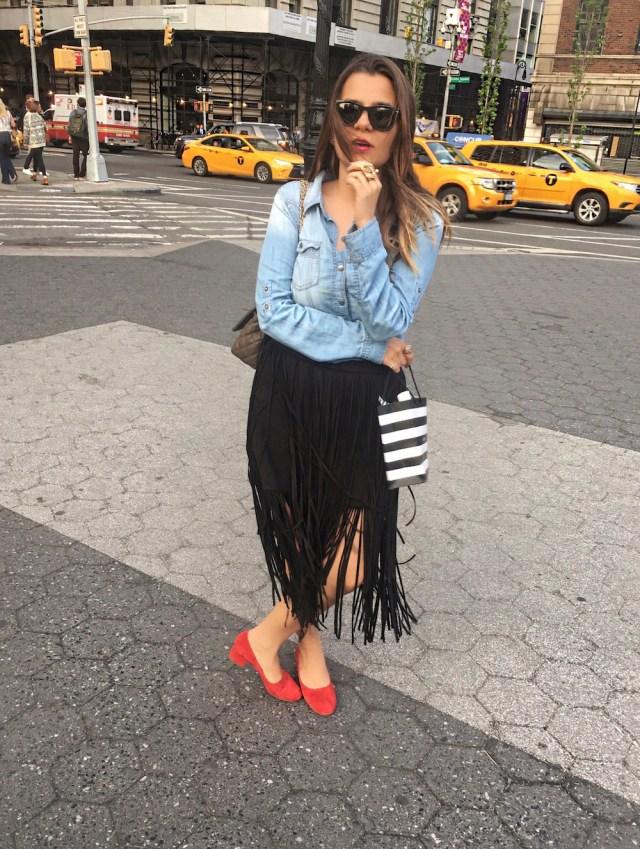 fringe-skirts-red-shoes-and-denim-shirt-alley-girl-new-york-fashion-blogger-betul-yildiz