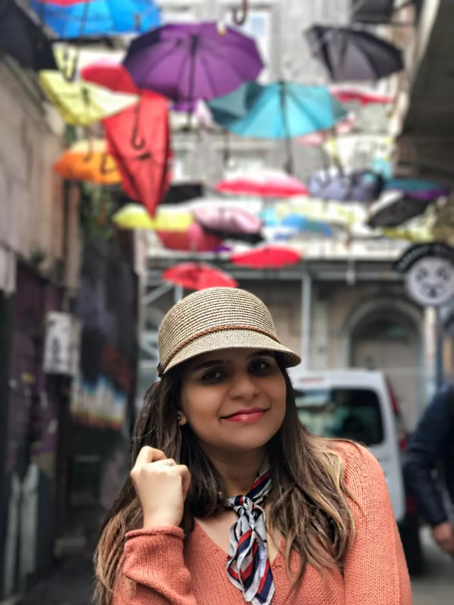 tourist-guide-for-istanbul-5-hidden-places-in-istanbul-aley-girl-travel-fashion-technology-blog-karakoy