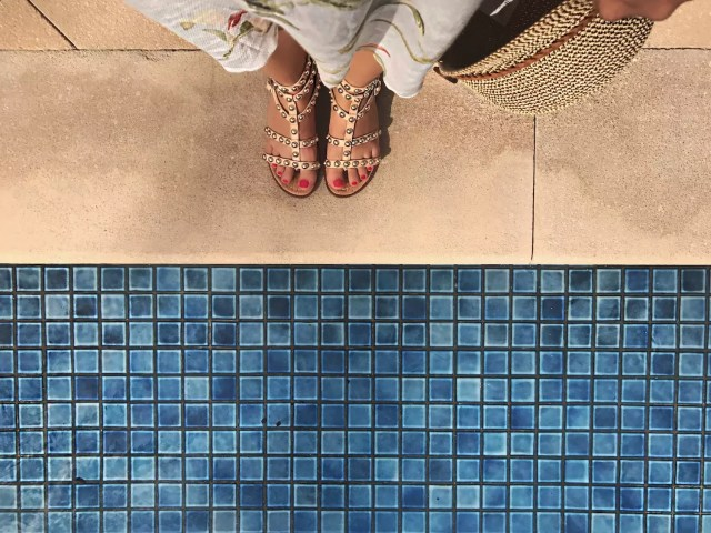sam-edelman-sandals-alley-girl-fashion-travel-luxury-blogger