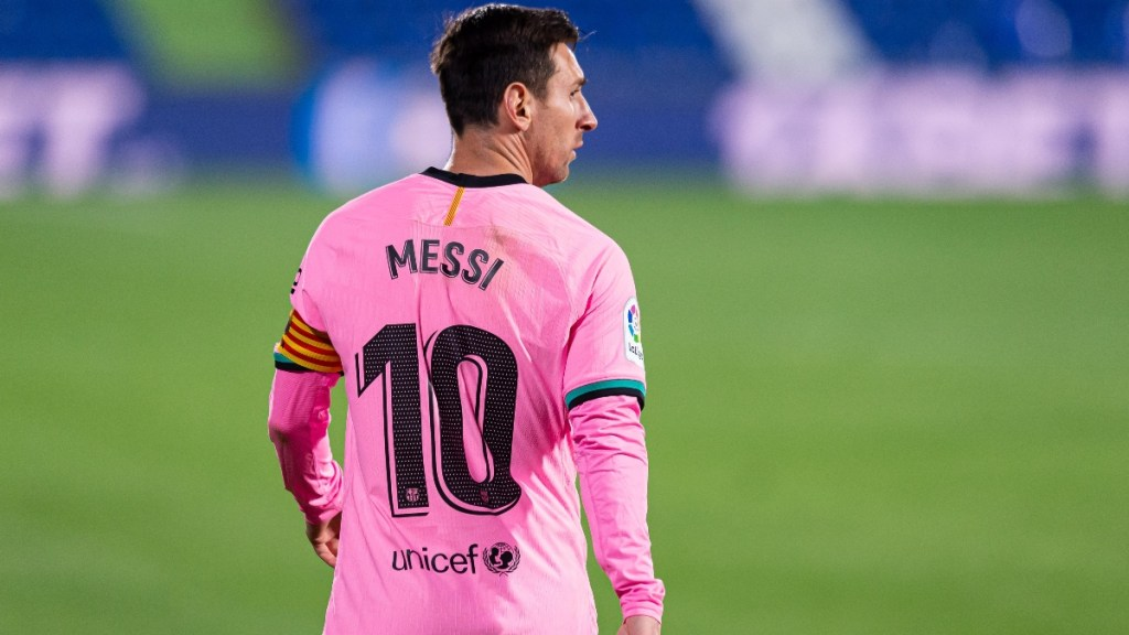 Is Messi injured? Did Messi get injured vs Venezuela? Alley Sport helps you find out the answer.