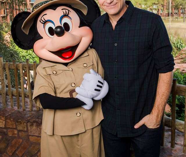 Feb   Actor Jason Bateman Poses With Minnie Mouse Feb