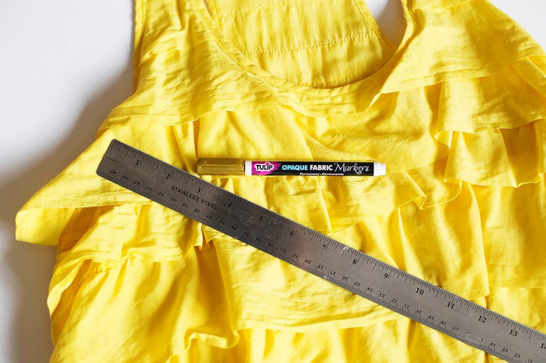 DIY pineapple costume from Savers at allforthememories.com
