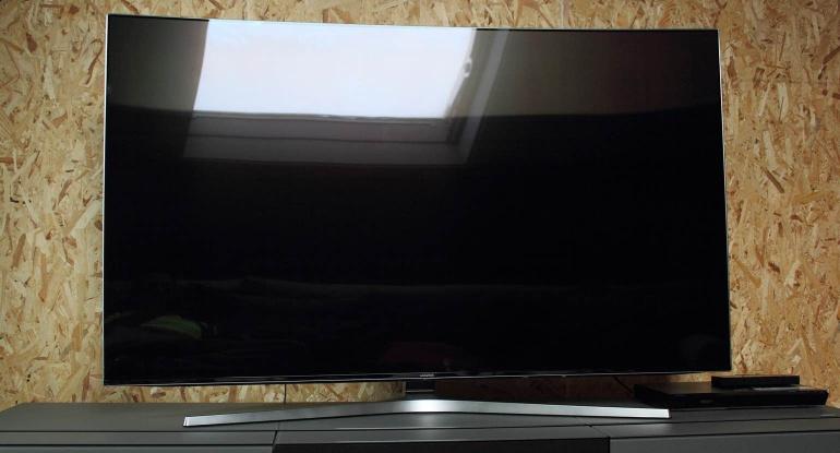 Samsung-KS9500 review design