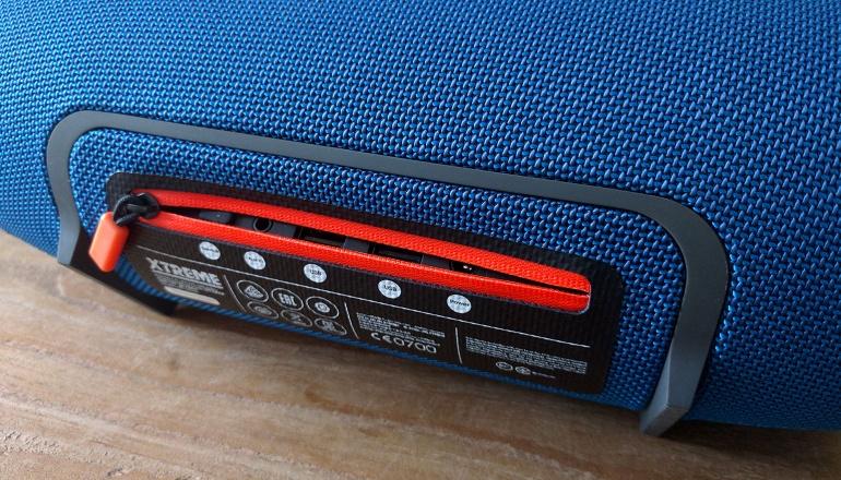 jbl-xtreme-bluetooth-speaker-big-3
