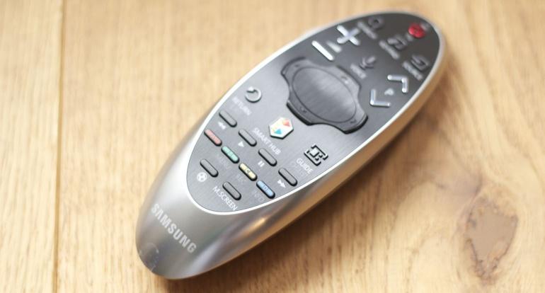 Samsung-HU8500-review-remote