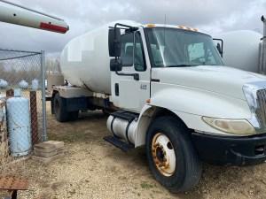 Used International 3200 gallon propane bobtail
