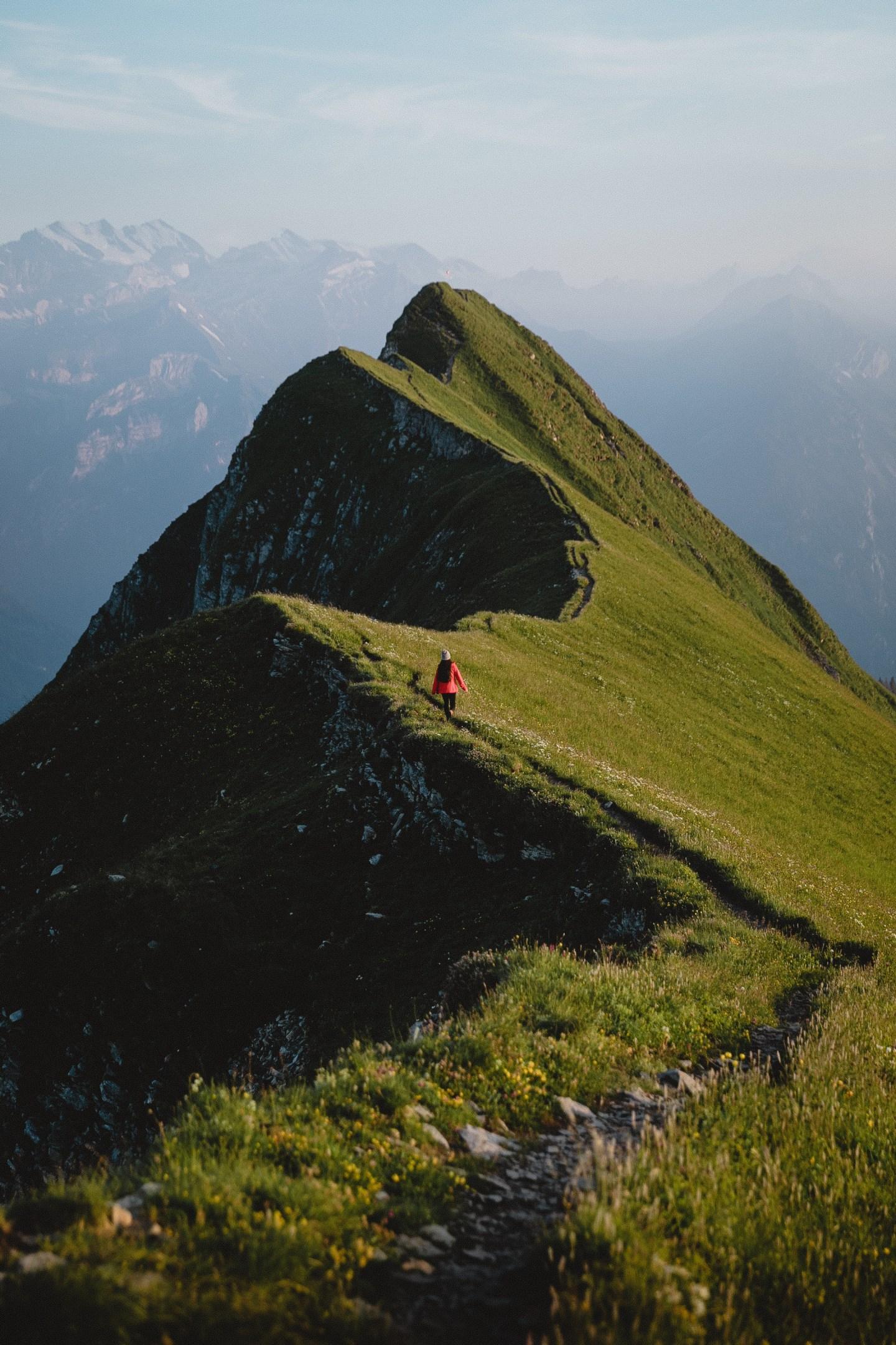 hiking in Switzerland grassy ridgeline