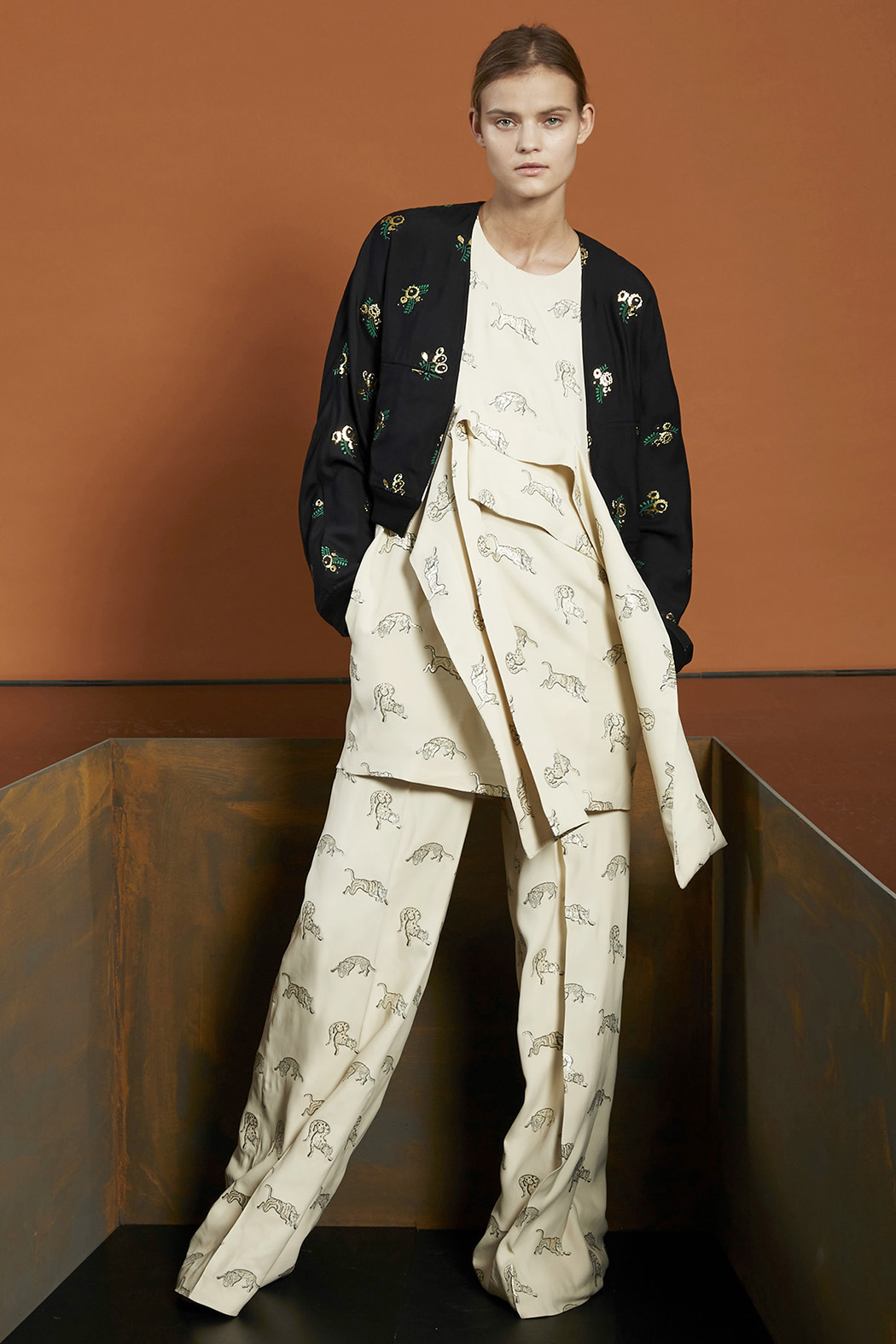Stella-McCartney-Pre-Fall-2015-14