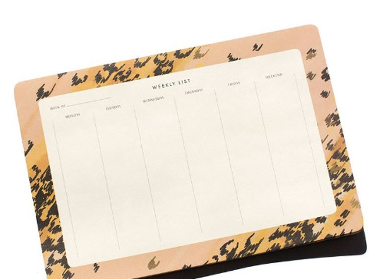 How I stay Organized at work with Garance dore's Weekly Desk Pad
