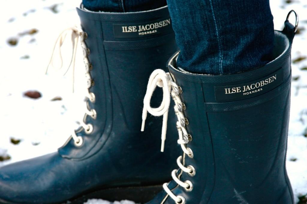 Ilse Jacobsen lace up snow boots