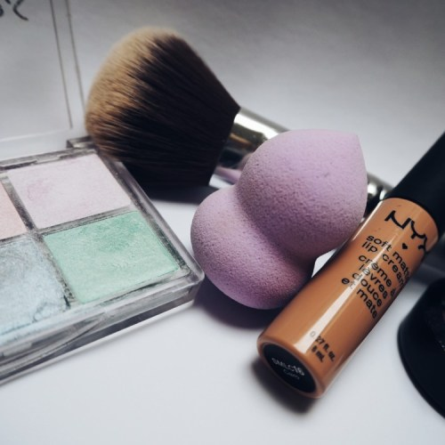 Out with the Old and In with the New: Getting Rid of Expired Makeup