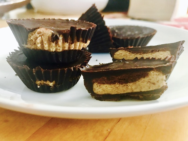 Raw chocolate almond butter cups
