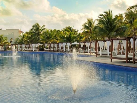 El Dorado Royale pool