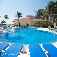 GR Solaris Cancun adults-only pool