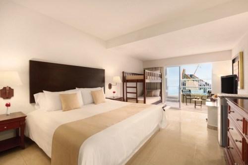Gran Caribe Resort Family Jr. Suite