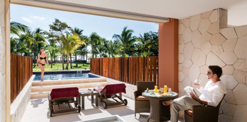 Barcelo Maya Caribe Jr. Suite swim-up