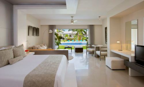 Secrets Silversands Riviera Cancun swim-up suite