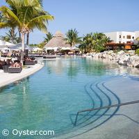 Secrets Maroma pool